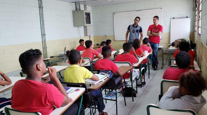 CIC Leste promove curso de bombeiro-mirim